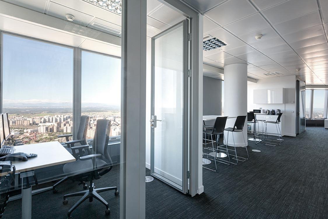requenayplaza-arquitectura-interiorismo-amueblamiento-oficinas-commerzbank