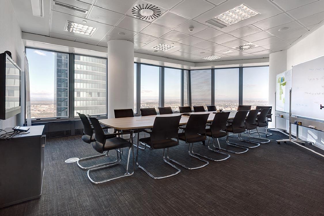 requenayplaza-proyectos-arquitectura-interiorismo-amueblamiento-oficinas-commerzbank-madrid