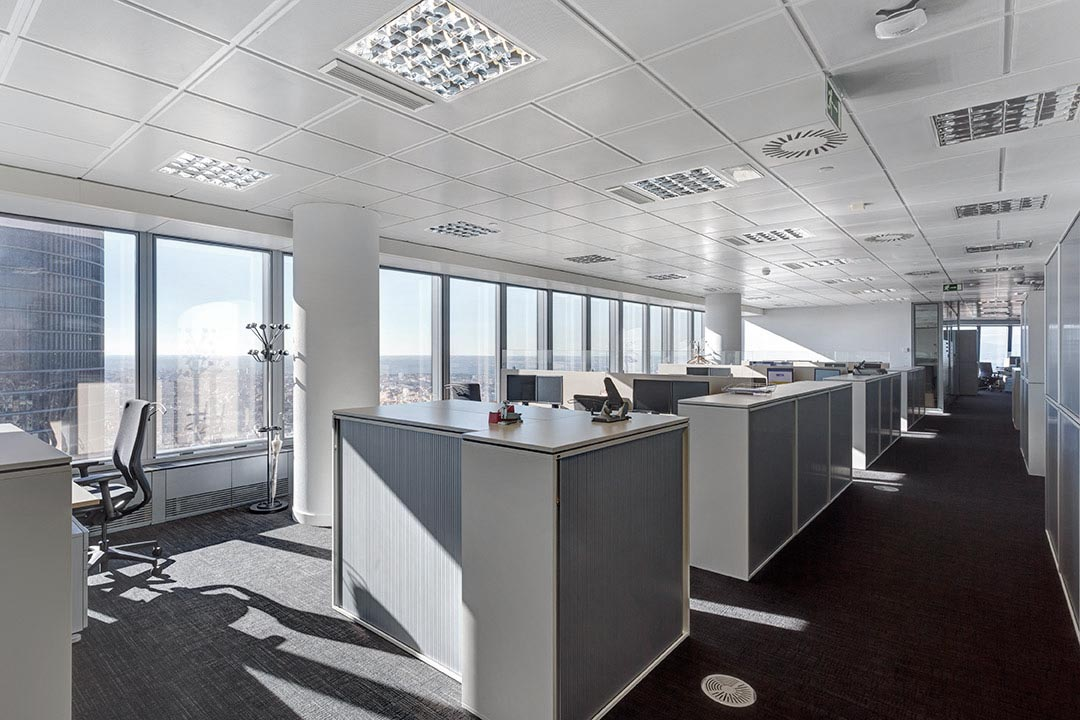 requenayplaza-proyectos-arquitectura-oficinas-commerzbank-torre-de-cristal